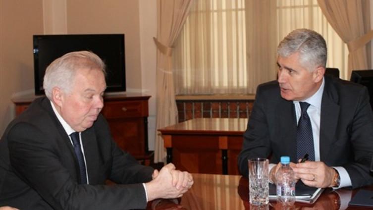 """Akademik Čović i ruski """"eksperti"""": Suludo igranje sa zdravljem građana BiH"""