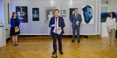 Proglašeni nagrađeni umjetnici/ice u sklopu 5. Međunarodnog trijenala autoportreta